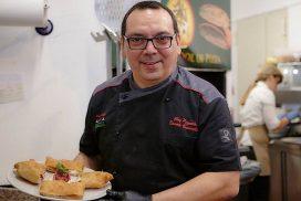 Pizza, il palermitano Danele Vaccarella, maestro pizzaiolo del ristorante La Braciera, si è classificato al sesto posto nella categoria pizza napoletana al Mondiale pizzaioli